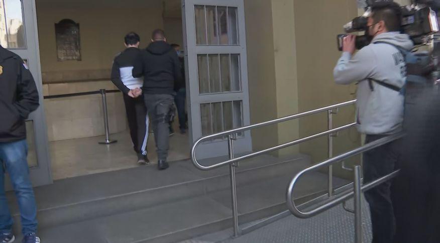 Alessander Monaco Ferreira é preso e chega à sede da Polícia Civil em SP