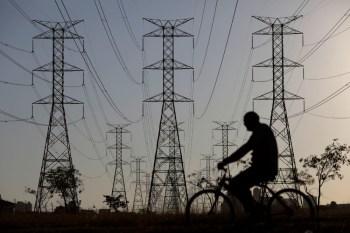 Na noite desta terça-feira (31), o ministro de Minas e Energia, Bento Albuquerque, pediu que a população reduza o consumo de energia elétrica