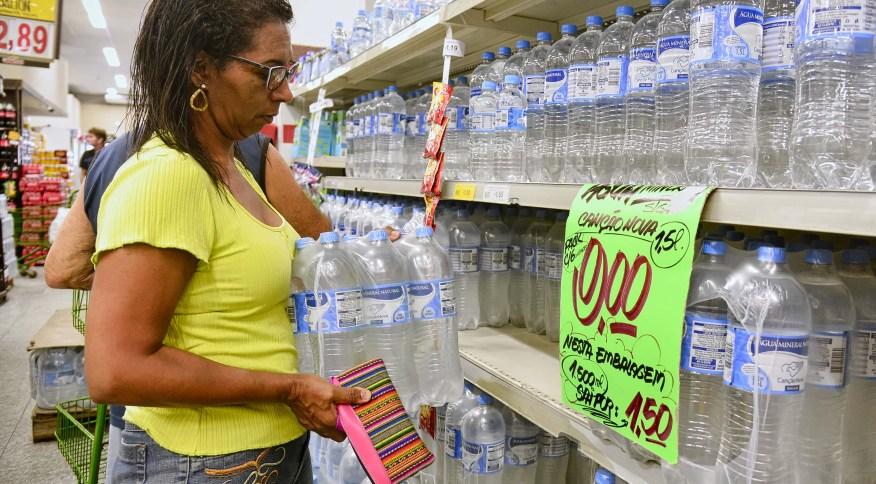 Venda de água mineral na cidade do Rio de Janeiro