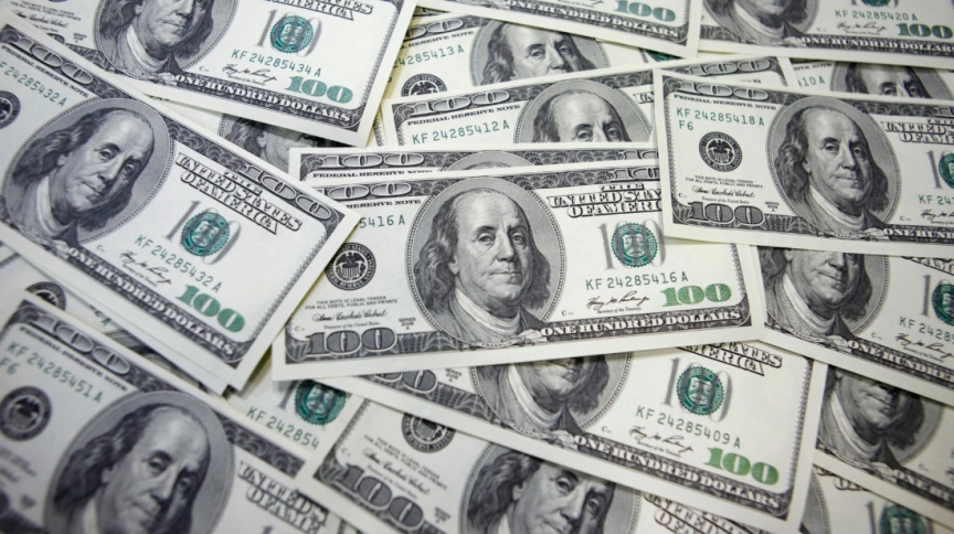 Notas de US$ 100: mundo tem 2.189 bilionários