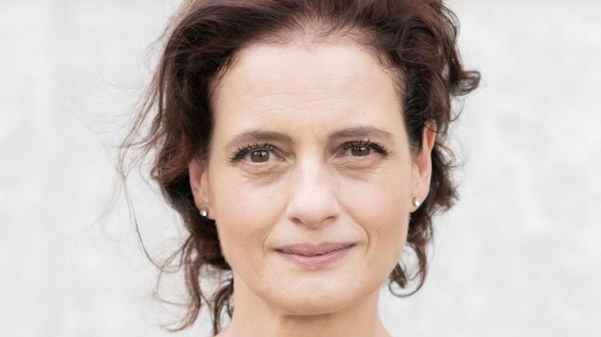 A atriz Denise Fraga é entrevistada pelo programa O Mundo Pós-Pandemia