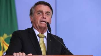 O presidente está acompanhado do filho Carlos Bolsonaro e da primeira-dama, Michelle Bolsonaro, no Hospital Vila Nova Star, em São Paulo