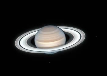 """Em vez de rocha sólida, o núcleo de Saturno é provavelmente o que os cientistas chamam de """"fuzzy"""", ou uma mistura lamacenta de gelo, rocha e fluidos metálicos"""
