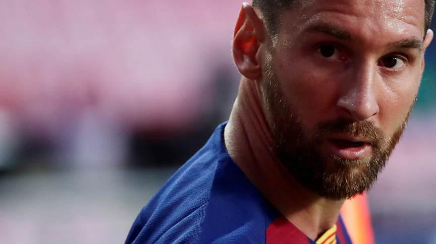 Messi teria conversado por telefone com Pep Guardiola na semana passada para discutir uma possível transferência ao City