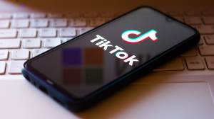 TikTok alcança 1 bilhão de usuários ativos mensais, diz empresa