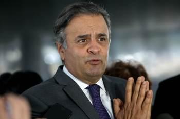 """""""Lamento que esse debate em relação ao aprimoramento do nosso processo de votação esteja interditado a quem é a favor ou contra Bolsonaro,"""" disse Aécio"""