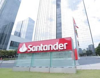 A iniciativa faz parte dos planos do Santander de aumentar receitas no momento em que bancos europeus lutam contra a pressão das baixas taxas de juros