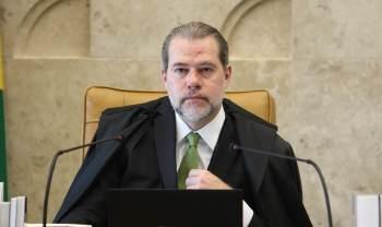 Com isso, opresidente Jair Bolsonaro (sem partido) receberá militares durante uma exibição de blindados em Brasília durante esta manhã