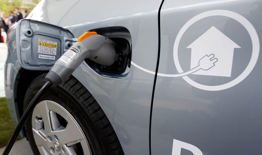Carro elétrico; Toyota