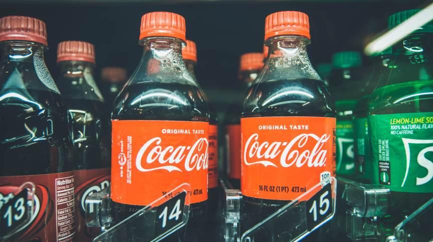 Coca-Cola vai reduzir cerca de metade do seu portfólio