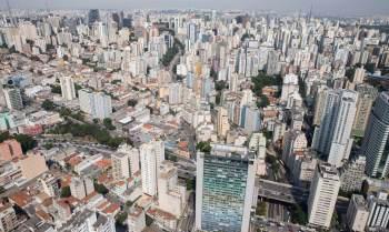 São mais de 400 opções, entre imóveis comerciais e residenciais, que custam a partir de R$ 8 mil