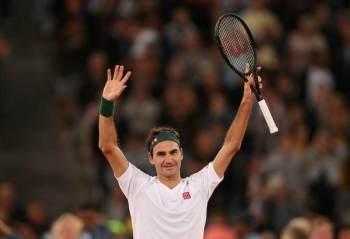 Estrela do tênis e vencedor de 20 Grand Slams, Federer disse que deve ficar fora das quadras por 'muitos meses'