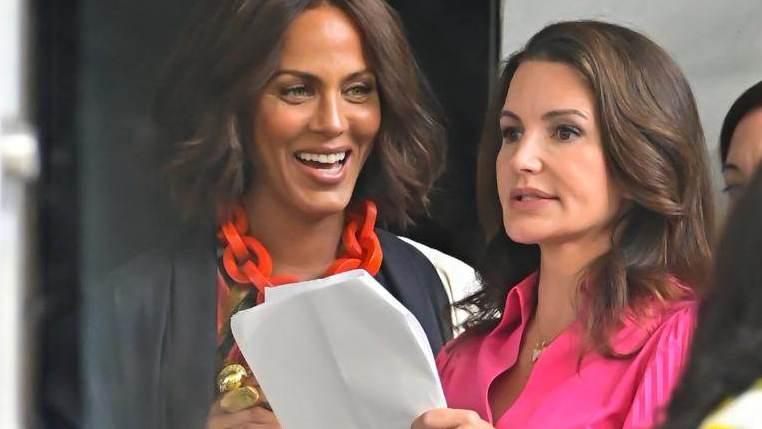 """Nicole Ari Parker e Kristin Davis no set de """"And Just Like That..."""", em Nova York"""