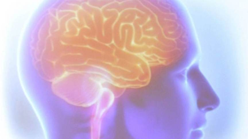 A esclerose múltipla é uma doença crônica do sistema nervoso central.