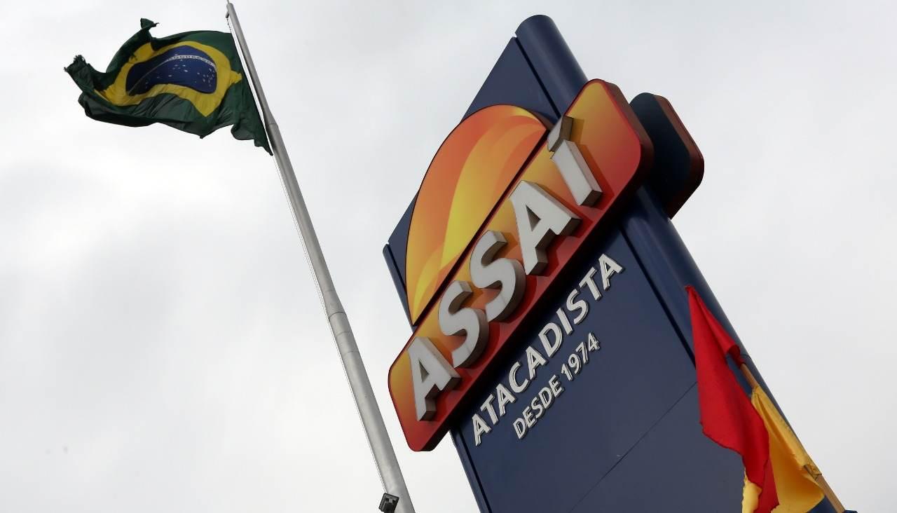 Logo do supermercado Assaí. Foto tirada em 11/01/2017