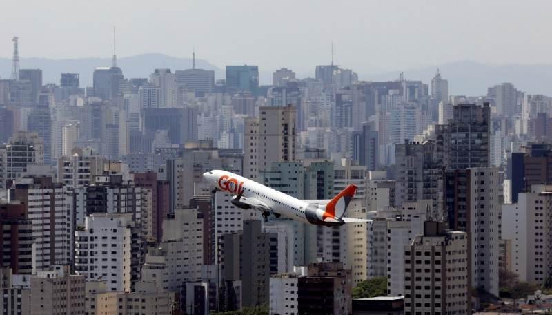 Avião da Gol decola do aeroporto de Congonhas, em São Paulo