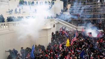 Policiais que participaram da contenção da invasão ao Congresso dos EUA em janeiro depuseram nesta terça-feira (27) e relataram ameaças