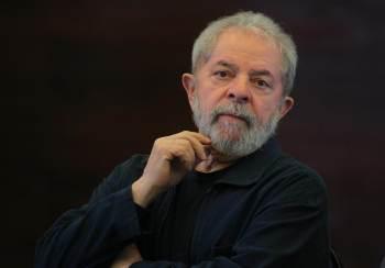 Documento foi anexado no processo que investiga se o ex-presidente teria influenciado a então presidente Dilma Rousseff (PT) sobre a participação da OAS em negócios no exterior; advogada do empresário nega mudança de versão