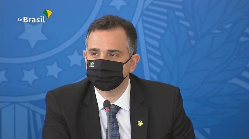O presidente do Senado, Rodrigo Pacheco (DEM-MG), falou sobre a reunião do comitê contra a Covid-19