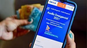Caixa paga 7ª parcela do auxílio emergencial a nascidos em agosto