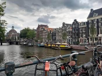 Homens e mulheres holandeses estão mais baixos do que nos anos de 1980; dietas e fatores ambientais podem ser as causas, de acordo com estudo