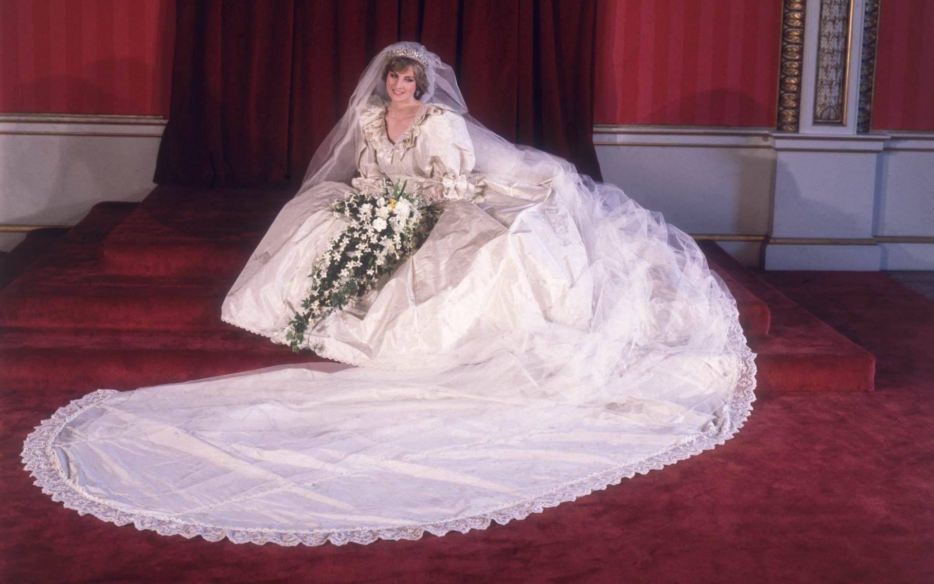 A princesa Diana em seu casamento com o príncipe Charles, em 1981