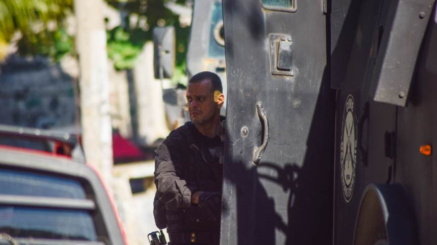 Policial em operação no Jacarezinho, que matou 28 pessoas