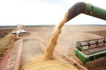 Exportações brasileiras aumentaram 37%; minério de ferro, soja e petróleo foram os produtos mais comercializados