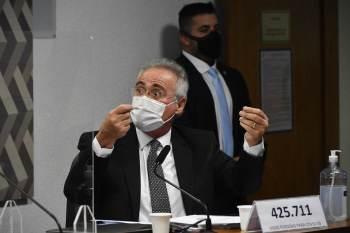 O relator da comissão, senador Renan Calheiros (MDB-AL), pretende entregar o documento entre os dias 23 e 24 de setembro