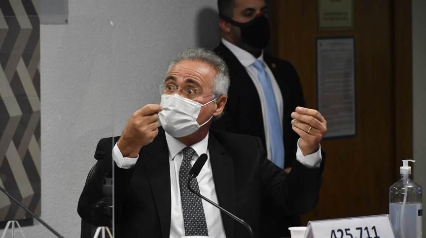 Senador Renan Calheiros (MDB) durante sessão na CPI da Pandemia
