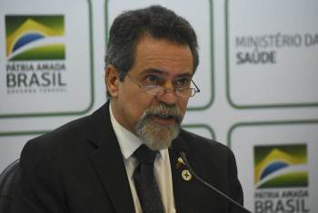 Randolfe Rodrigues (Rede-AP) e Humberto Costa (PT-PE) falaram sobre os próximos passos na CPI da Pandemia após depoimento de Roberto Dias