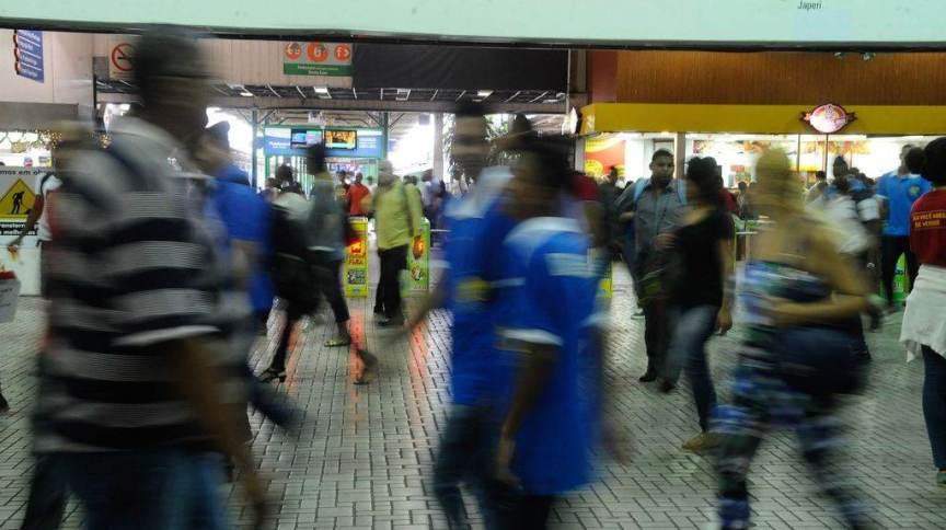 Movimentação na estação de trem Central do Brasil, no Centro do Rio