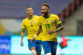 Neymar, Richarlison, Thiago Silva e Daniel Alves estão entre os nomes