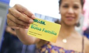 Câmara aprova projeto que cria margem para novo Bolsa Família