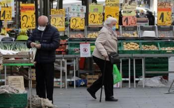 A economia francesa, segunda maior da zona do euro, expandiu 0,9%, pouco acima da expectativa, com o terceiro lockdown sendo relaxado a partir de maio