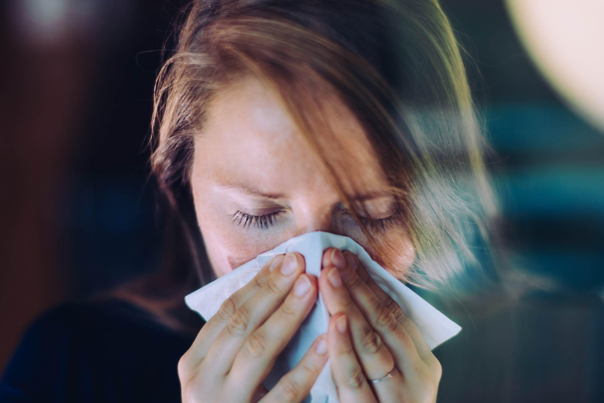 Estudo da Universidade Yale explica relação entre resfriado comum e o coronavíru