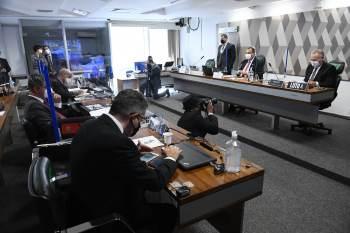 Para Marcos do Val, rotina do Planalto também ganha; gaúcho Luís Carlos Heinze diz que assume como titular