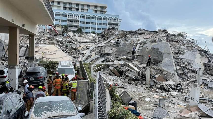 Equipes de resgate buscam sobreviventes em destroços de prédio que desabou na Flórida
