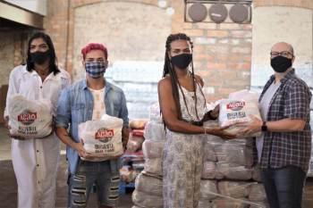 Cestas serão entregues a instituições no Rio e em São Paulo que apoiam grupos vulneráveis