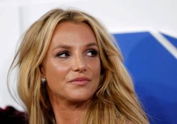 Advogado da cantora acusa Jamie Spears de abuso de curatela, além de fraude e improbidade; mãe de Britney se pronuncia a favor da retirada do ex-marido