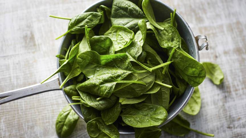 O espinafre é rico em substâncias antioxidantes e vitaminas