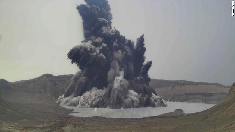 Filipinas aumentou o nível de risco do vulcão Taal após explosão
