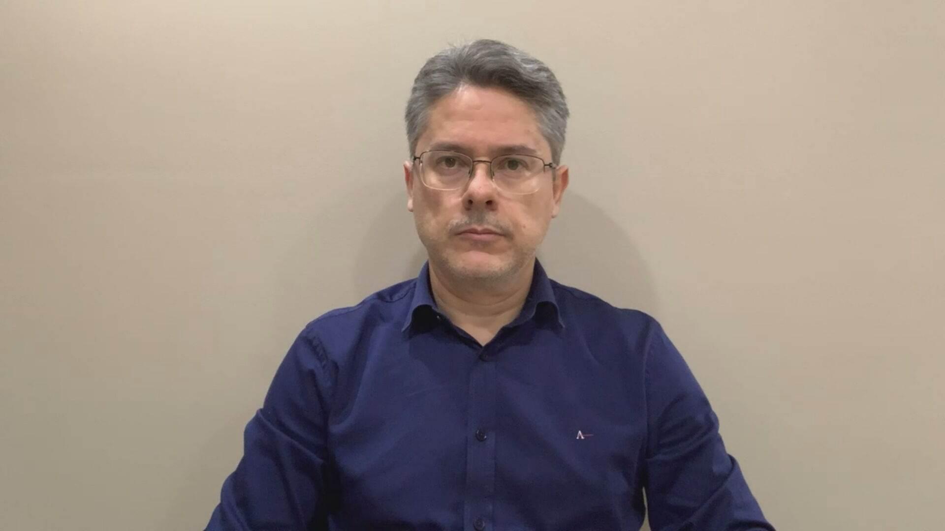 O senador suplente da CPI da Pandemia Alessandro Vieira em entrevista à CNN