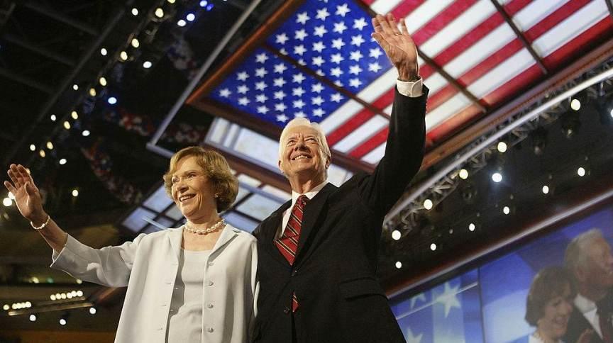 O ex-presidente dos Estados Unidos Jimmy Carter e sua esposa Rosalynn, em 2004