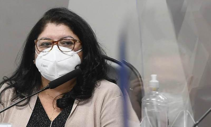 Servidora do Ministério da Saúde Regina Célia presta depoimento à CPI da Pandemia