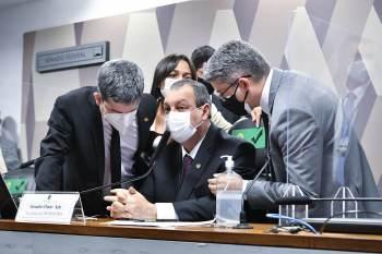Miranda disse à CNN que alertou Bolsonaro sobre irregularidades no contrato com a Covaxin; Onyx convocou pronunciamento para negar acusações