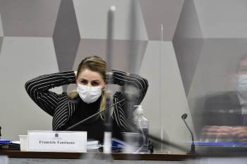 Francieli Fantinato, recém-exonerada do cargo, ressaltou a falta de imunizantes e campanhas de vacinação por parte do Ministério da Saúde