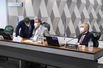 Requerimento pela quebra de sigilos de Ricardo Barros também foi aprovado pela comissão; pedido de convocação do ministro Braga Netto foi retirado da pauta