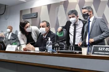 Hospitais federais de Bonsucesso e Andaraí e o Into não enviaram a documentação solicitada há quarenta dias; prazo dado pela CPI era dez dias