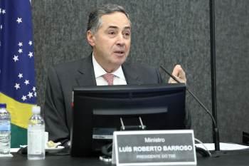 Partidos como o MDB e integrantes da CPI pediram para que emissários façam ponte com Barroso para dizer que as siglas estão solidárias ao TSE e ao ministro